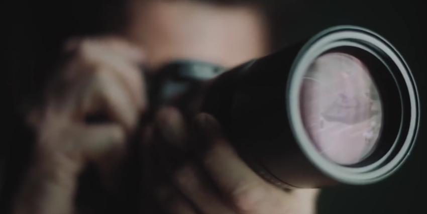 Fotograf, der im Leica Werbevideo
