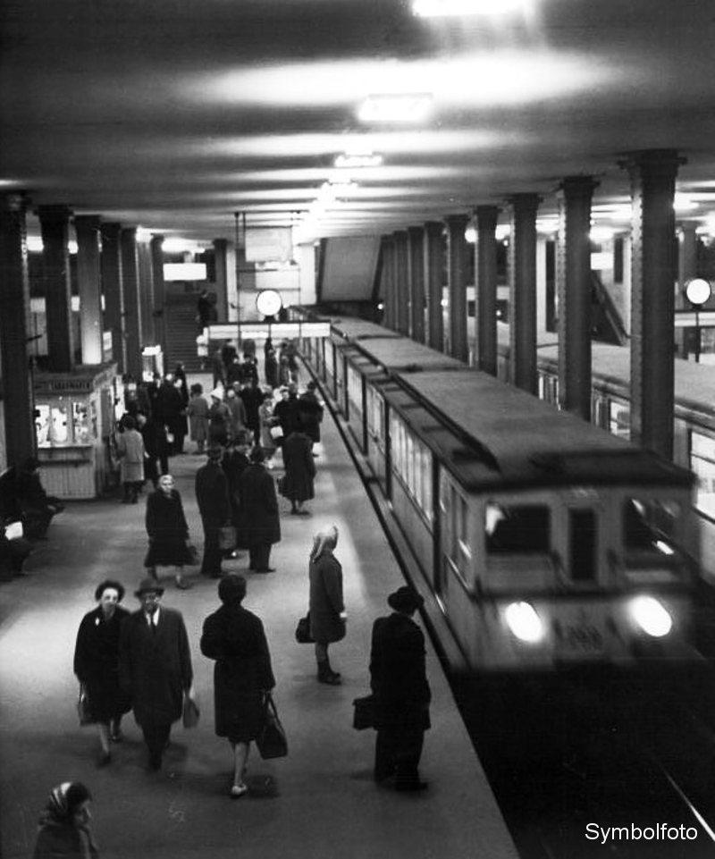 U-Bahn-Station Alexanderplatz in den 60er Jahren.