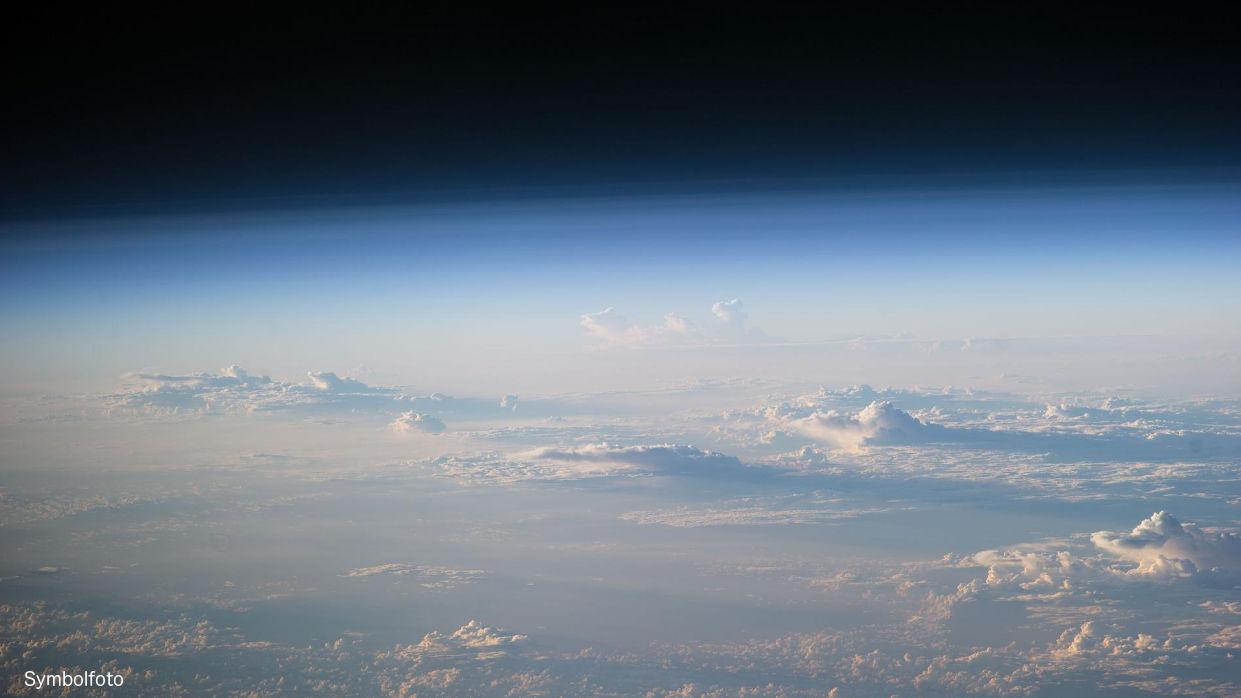 Blick auf die Erdatmosphäre.