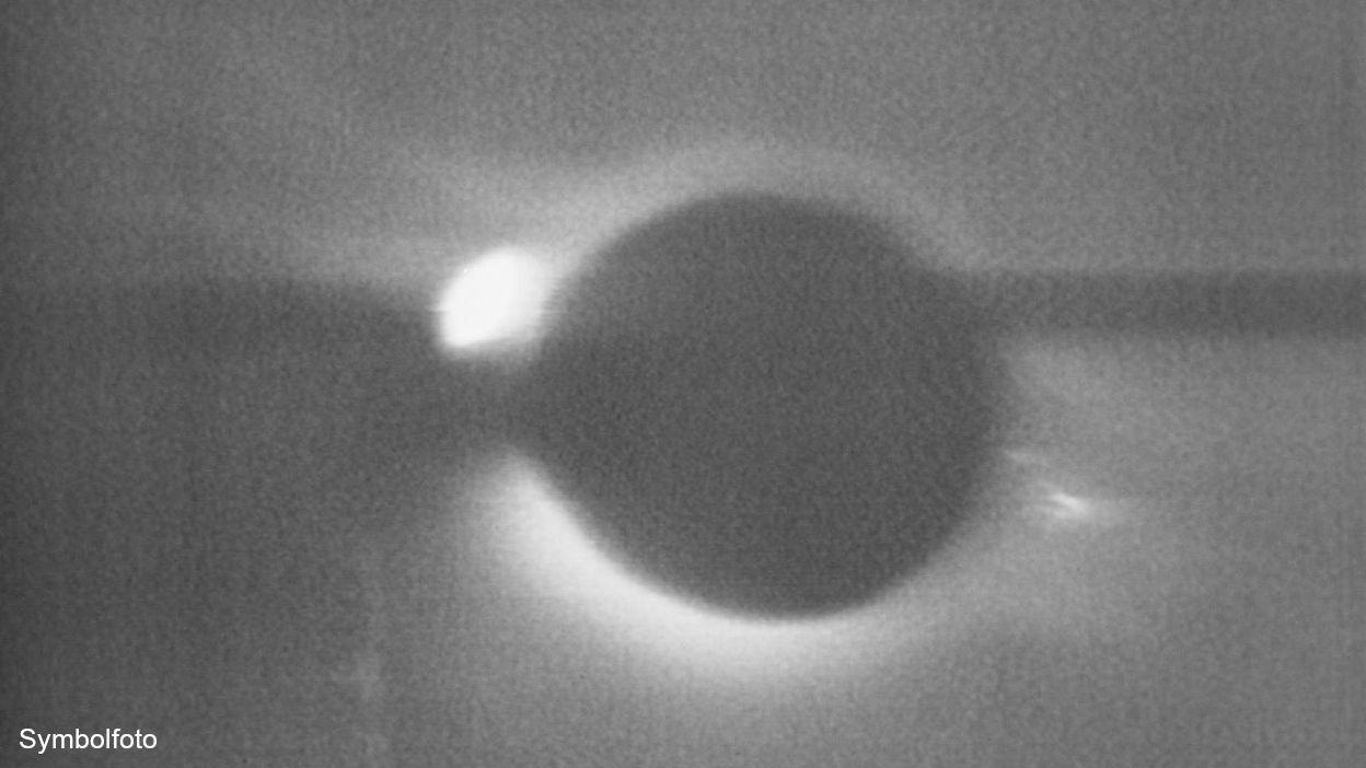 Sonnenfinsternis - Eklipse der Sonne durch den Mond.