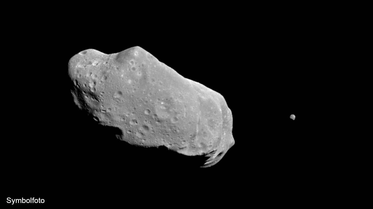 Asteroid Ida (243) mit Satellit (Mond).
