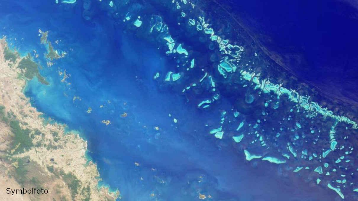 Das Great Barrier Reef auf einem Foto, das von der NASA aus dem Weltraum aufgenommen wurde.