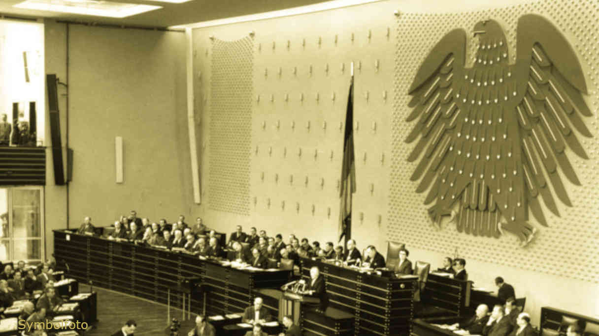 Der Plenarsaal des Bundestages (Parlament in Deutschland).